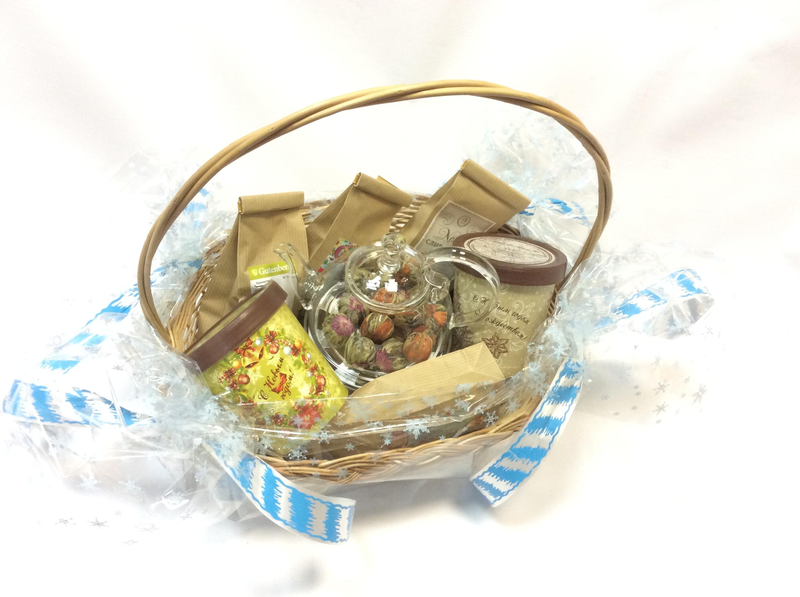 Подарки в корзинках с чаем 40